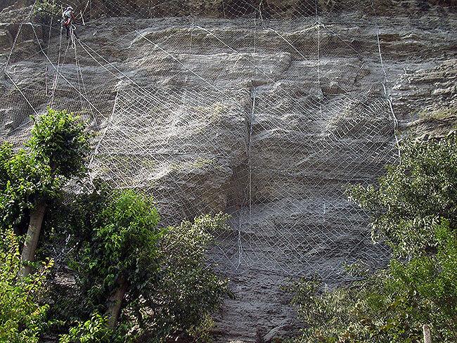 messa in sicurezza parete rocciosa